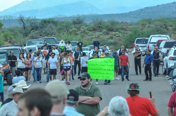 Mariachi Luz de Luna with supporters serenade the choke point on the Mt Lemmon highway