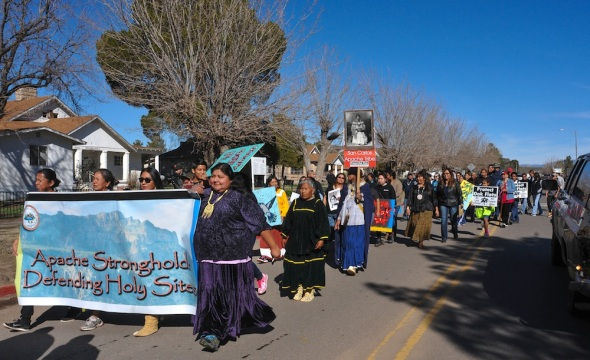 Marchers leave San Carlos for Oak Flat