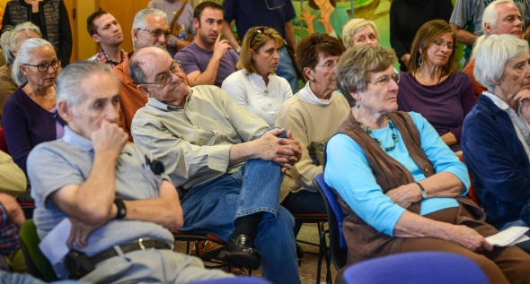 Oro Valley residents listen to Councilmen opposed to the new rec center